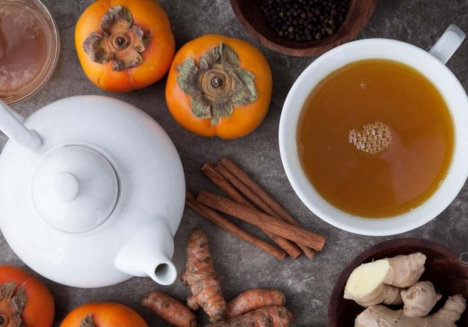 Spiced-Persimmon-Turmeric-Tea-Recipe-Gourmande-in-the-Kitchen